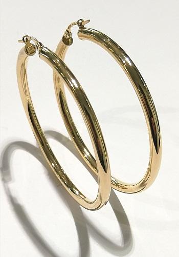 Orecchini anelle  in oro giallo 18 carati del diametro esterno di cm 4,5 e spessore mm 2,95